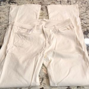 J brand boot cut, very form fitting 29. Snow color